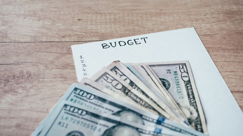 how to build a college budget