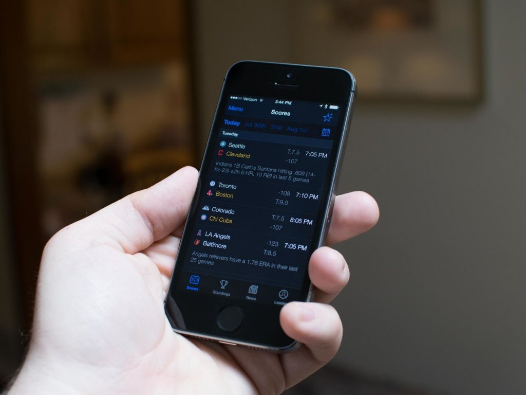 Best sports apps for iOS