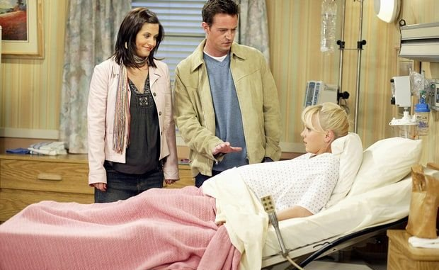 most interesting facts about the Friends TV Series; Courteney Cox's Pregnancy Was Hidden