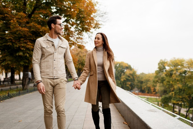 What should guys wear on a first date-Dress to Impress; Casual Outdoor Date