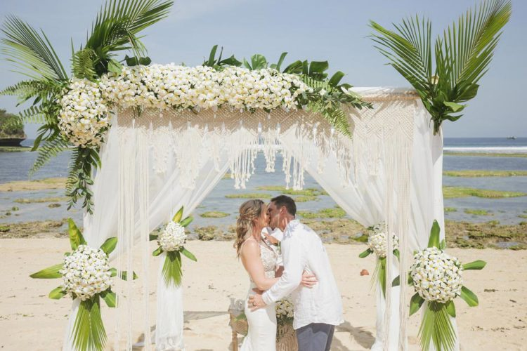 anniversary party ideas- renew your wedding