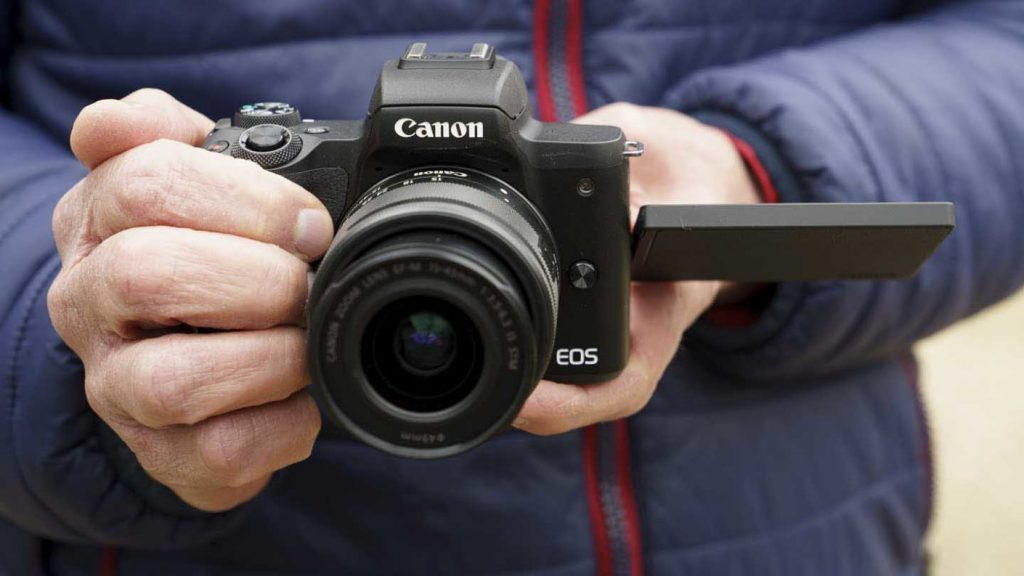 Best Camera For Vlogging And Streaming Under $1000 - Canon EOS M50