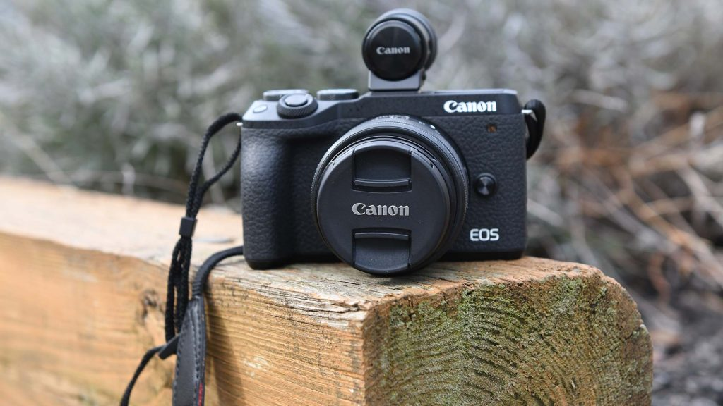 Best Camera For Vlogging And Streaming Under $1000 - Canon EOS M6 Mark II