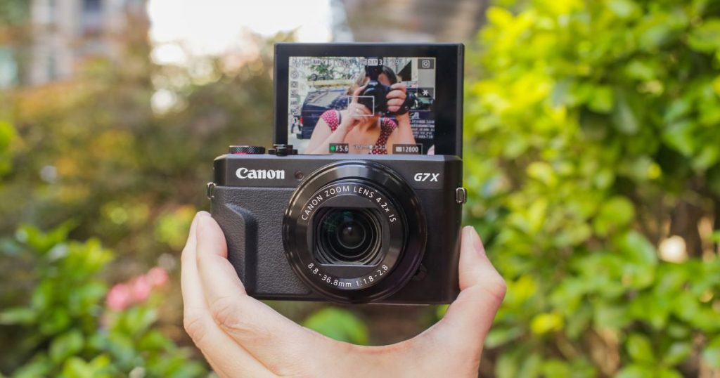 Best Cameras for Vlogging and Streaming Under $500 - Canon Powershot G7X MarkII