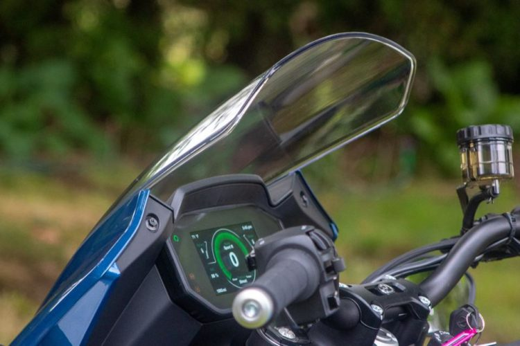 Gadgets For Road Trips - Wind Screen