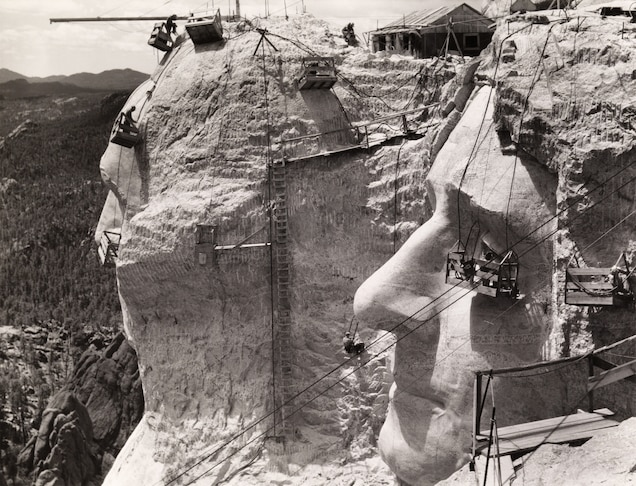 Facts About Mount Rushmore ; No One Died
