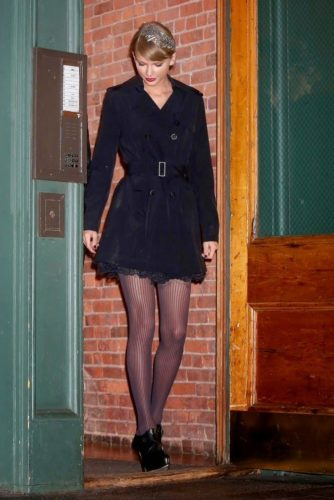 Stockings Outfit Ideas; Stocking With Over Coat
