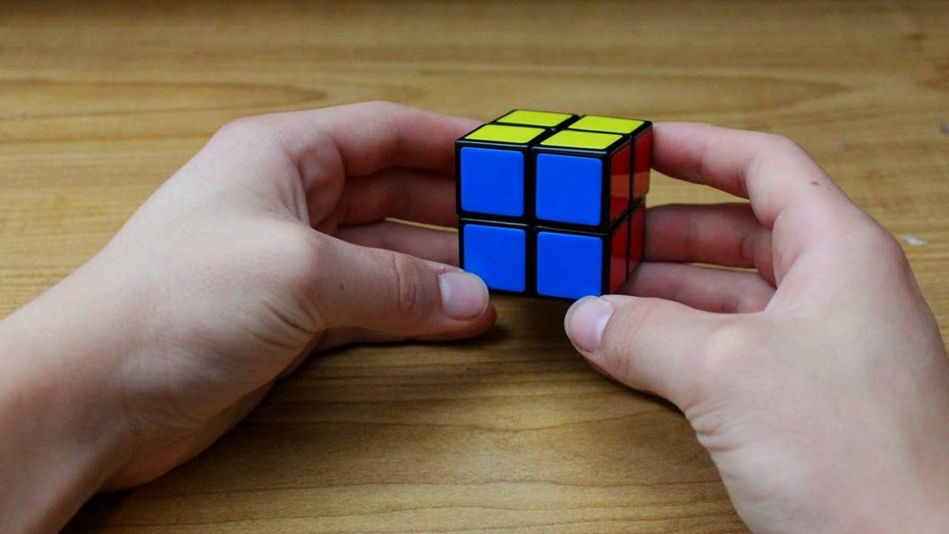 Steps to Solve a 2x2 Rubik's Cube