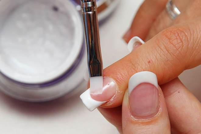 Difference Between Gel and Acrylic Nails; Gel vs Acrylic Nails - Cost