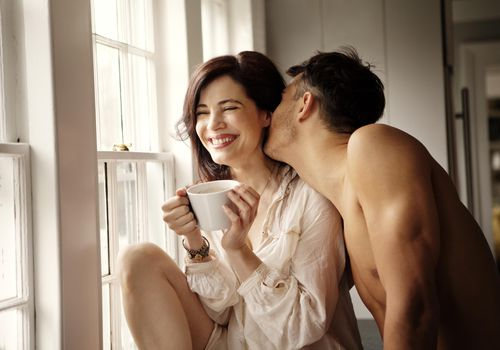 Show Off Your Girlfriend On Social Media; Show Your Romantic Side To The World