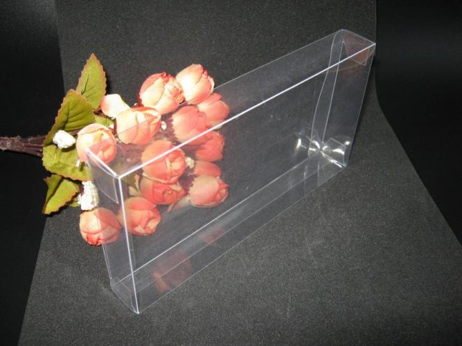 Benefits of Clear Plastic Folding Carton Packaging Designs