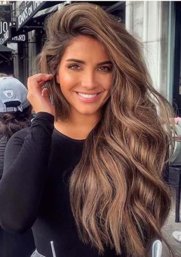 Things That Men Find Attractive About Women; long hair