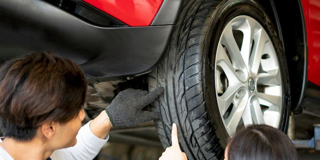 How Long Does It Take To Change A Tire By Professionals