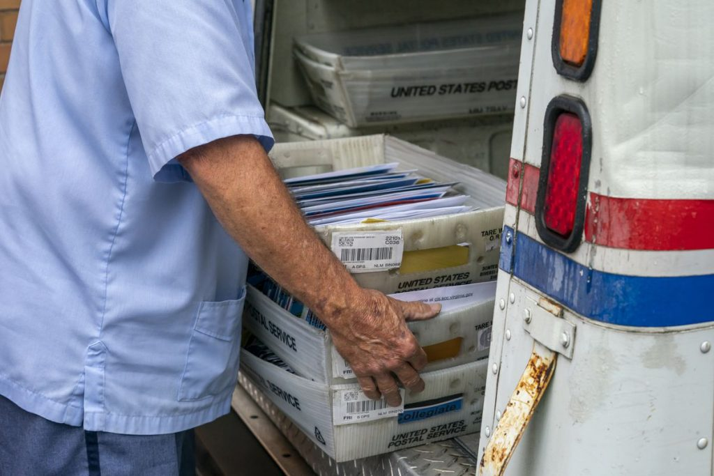 When Does USPS Stop Delivering; How Much Mail Does the USPS Deliver On a Daily Basis