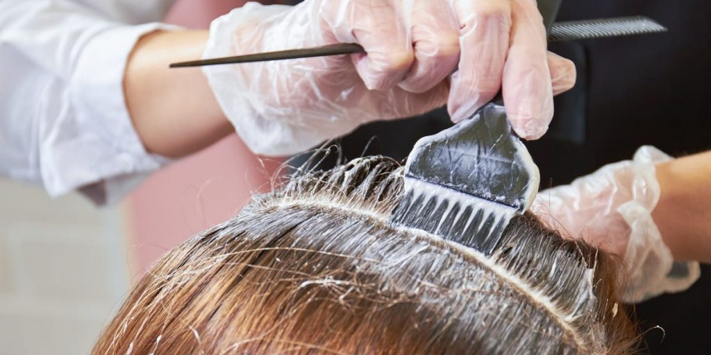 How Long To Leave Dye In Hair ; Preparing Your Hair For Coloring - Hair Dye Mistakes To Avoid
