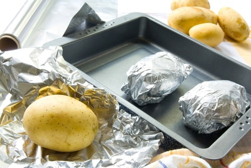 Aluminum Foil In The Oven; Properly wrap your food in aluminum foil before cooking in the oven