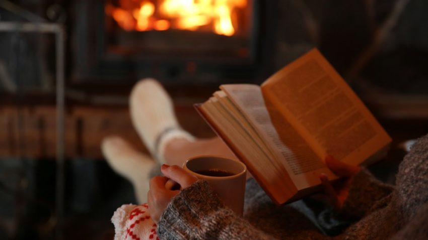 23 Perfect Cozy Activities To Do On A Winter Night | Stay Indoor And Enjoy To The Fullest